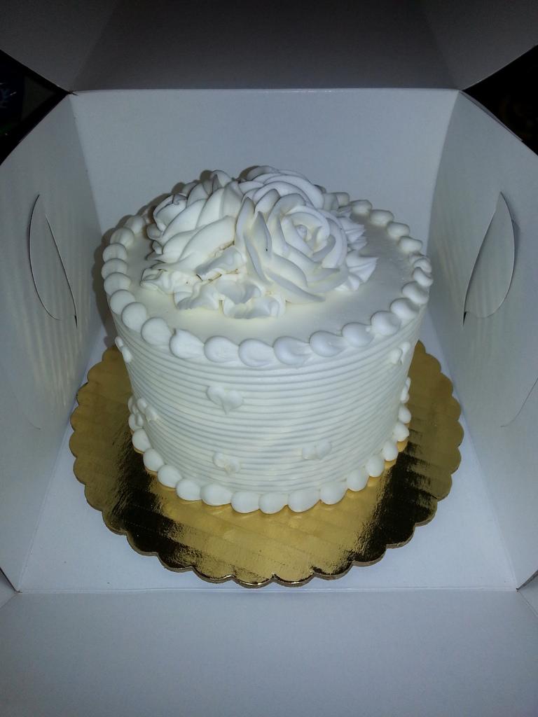Freezing Wedding Cake Top Tradition
